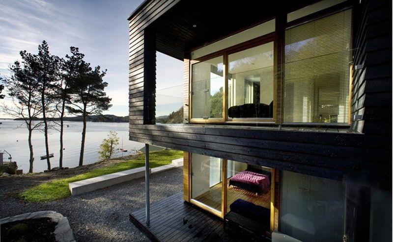 Modern Family Dwelling: Villa Storingavika by Saunders .