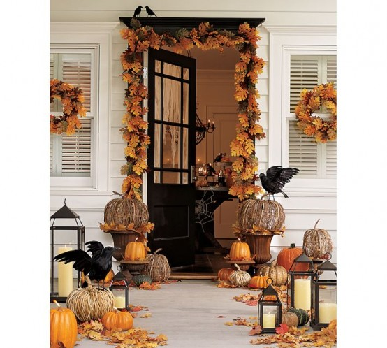 20 Cool And Colorful Thanksgiving Wreaths Ideas - DigsDi