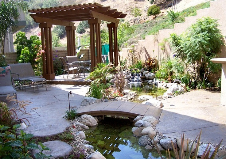 a-young-conservative: Cool Backyard Pond Design Ide