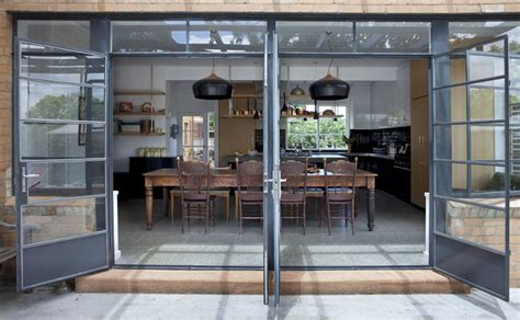 Cozy Minimalist Kitchen   chilangomadrid.c