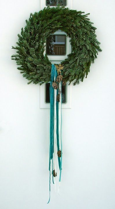31 DIY Winter Wreaths With Nordic Touch | Winter wreath diy .