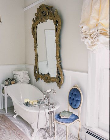 33 Cool Idea To Use Big Golden Mirrors For Your Decor | Salle de .