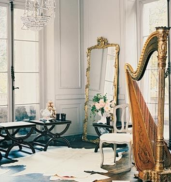 33 Cool Idea To Use Big Golden Mirrors For Your Decor | Parisian .