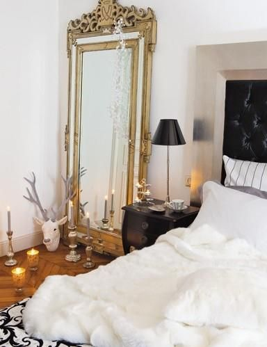 33 Cool Idea To Use Big Golden Mirrors For Your Decor | Apartment .