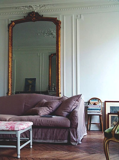 33 Cool Idea To Use Big Golden Mirrors For Your Decor - DigsDi