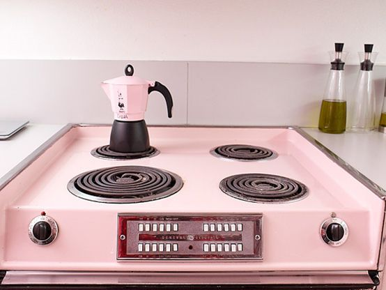 Cool Pink Kitchen Design With Retro and Chic Look | DigsDigs .