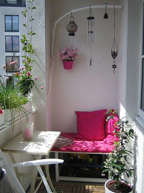 45 Cool Small Balcony Design Ideas | DigsDigs | Apartment balcony .