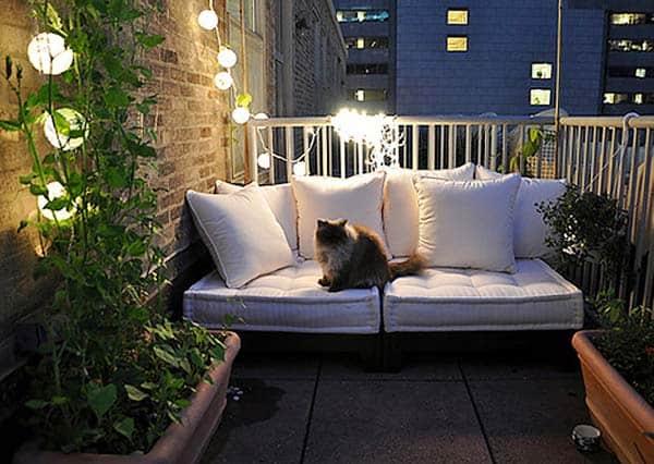 55 Super cool and breezy small balcony design ide