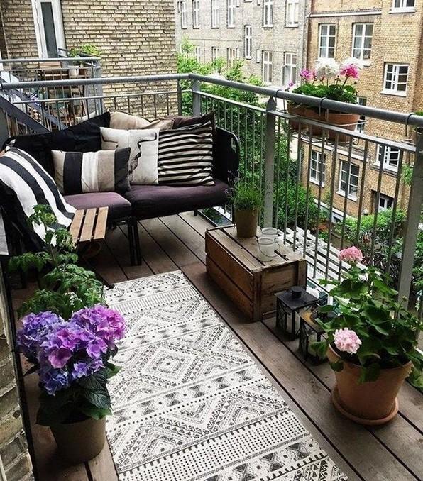 20 Cool And Cozy Small Balcony Design Ideas 25 - Artega