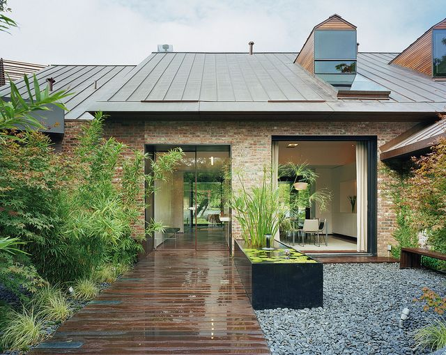 Austin Modern Lake House- Entry Courtyard   Modern courtyard .