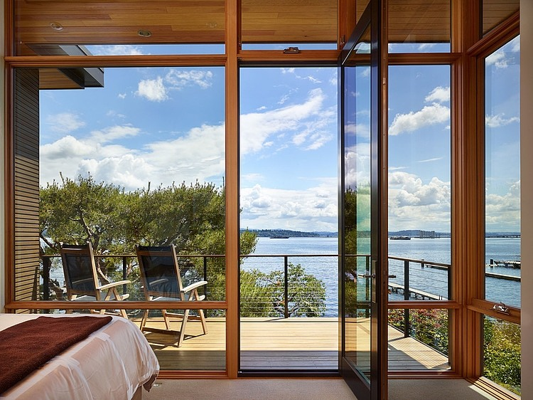 Lakefront House In Seattle Promises Solitude Along With Stunning Vie