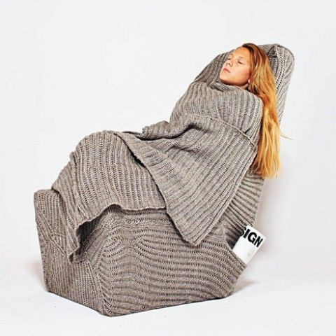 Warm Yourself with this Lovely Warm Armchair!: Comfortable Sleep .