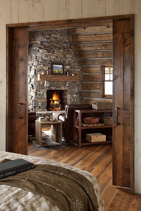 Cozy Cabin Retreat in the Mountains - Town & Country Living in .