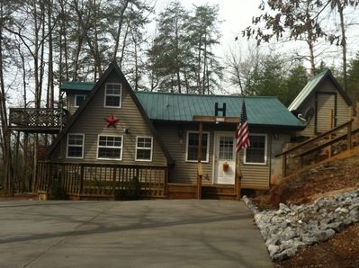 """The Diamond """"B"""" a Cozy Cabin Retreat - Not far from Pigeon Forge ."""