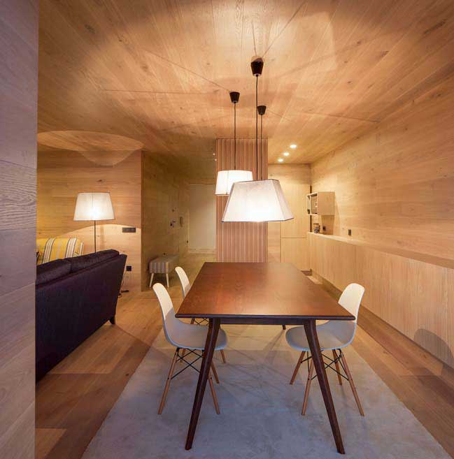 Transform an old apartment into cozy wood hou
