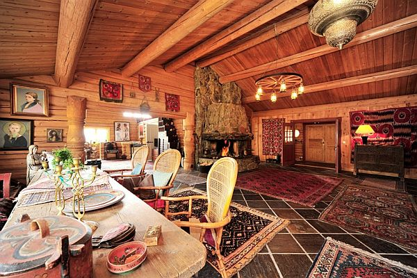 Cozy wooden house in Norw