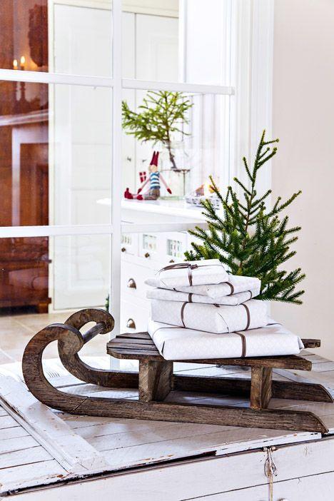 33 Creative And Fun Sleigh Décor Ideas For Christmas | Christmas .
