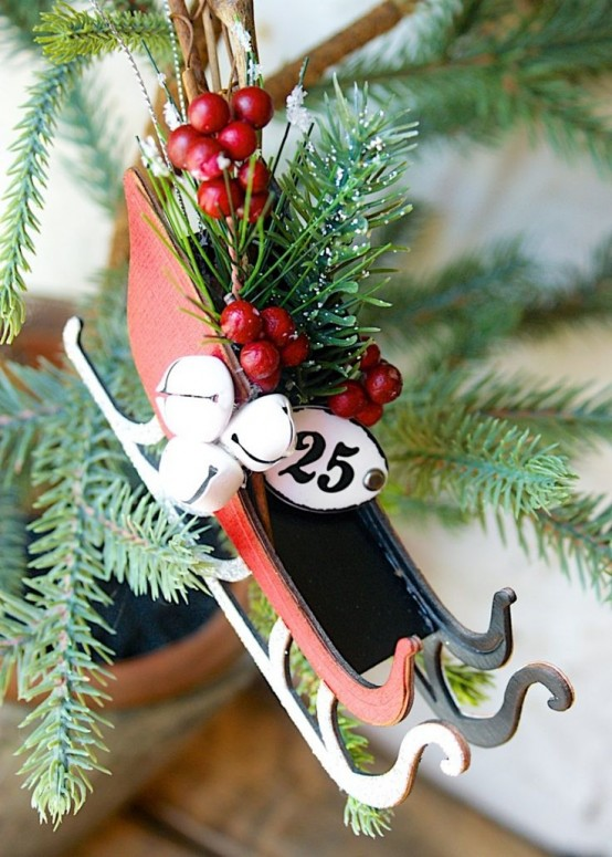 33 Creative And Fun Sleigh Décor Ideas For Christmas - DigsDi