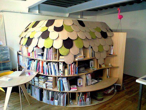Look! Uroko House   Bookshelves in bedroom, Creative bookshelves .