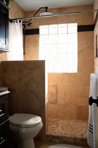 Creative Décor: 39 Bathrooms With Half Walls (With images) | Small .