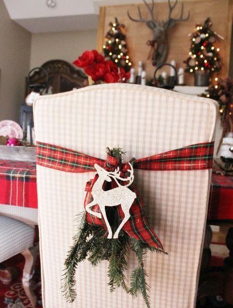 Cute Deer Decor Ideas For Cozy Christmas Spaces   Christmas table .