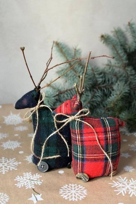 20 Cute Deer Decor Ideas For Cozy Christmas Spaces 03 - Artega
