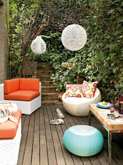 10 Decks Designed To Be Perfect For A Party - DigsDi