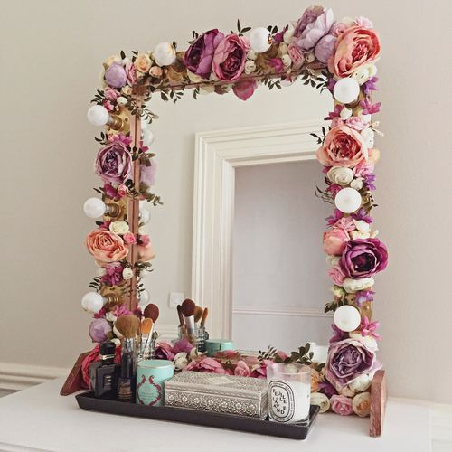 Create a unique decoration for your kids' bedroom using the unique .