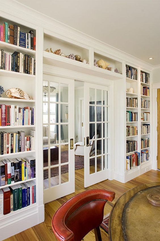 27 Doorway Wall Storage Solutions For Small Spaces - DigsDigs .