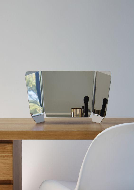Dorian bended mirror by Martin Hirth   Kons