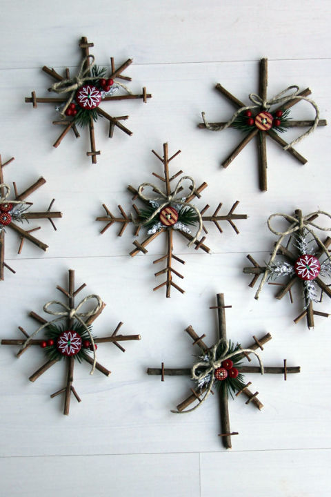 15 Easy-To-Make Christmas Ornaments In Just 5 Minut