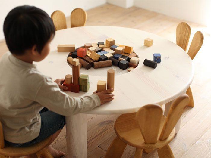 Environmentally friendly furniture for children, by Hiromatsu .