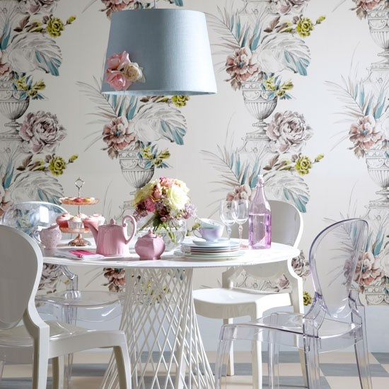 44 Elegant Feminine Dining Room Design Ideas - DigsDi