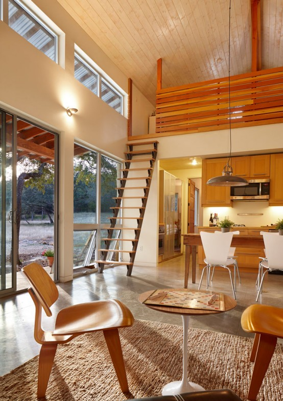 Family Retreat Mixes Rustic Materials With Modern Space-Saving .
