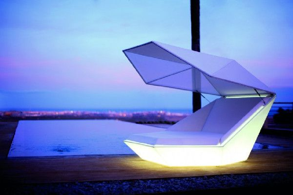 Versatile Faz Daybed Equipped With Built-in Speakers and LED .
