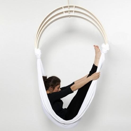 The Zen Circus yoga chairWhite Cabana | White Caba