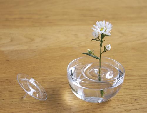 Floating Vases / Ripple by oodesign   JAPANESE DESI
