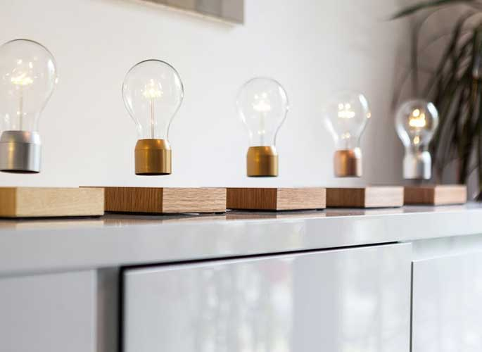 Flyte Is a High-Tech LED Lamp That Floats, Defying Gravity | 6sq
