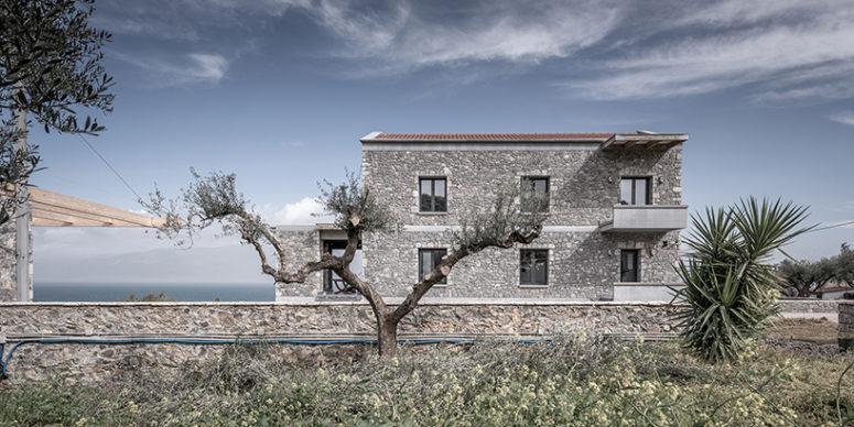 Minimalist Greek House Clad With Freestyle Masonry - DigsDi