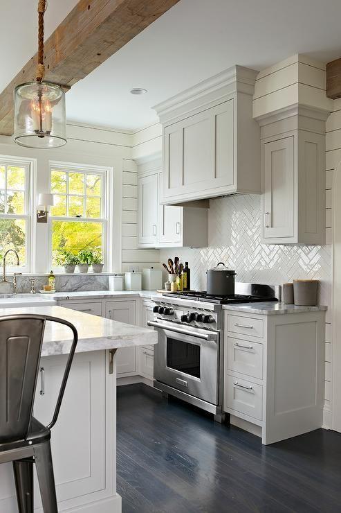 Fresh Farmhouse. LOVE LOVE LOVE THIS KITCHEN AND SIZE! | Kitchen .