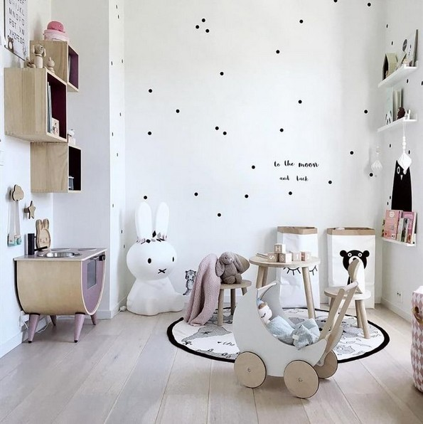 18 Fun And Bright Polka Dot Home Decor Ideas 07 - Artega