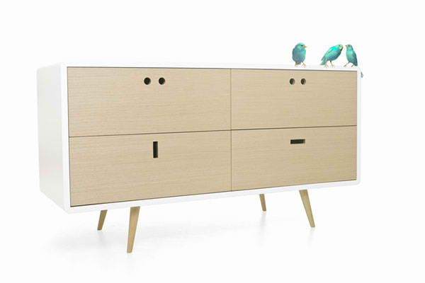 Anthropomorphic Furniture Portrays Humorous Human Characters (avec .