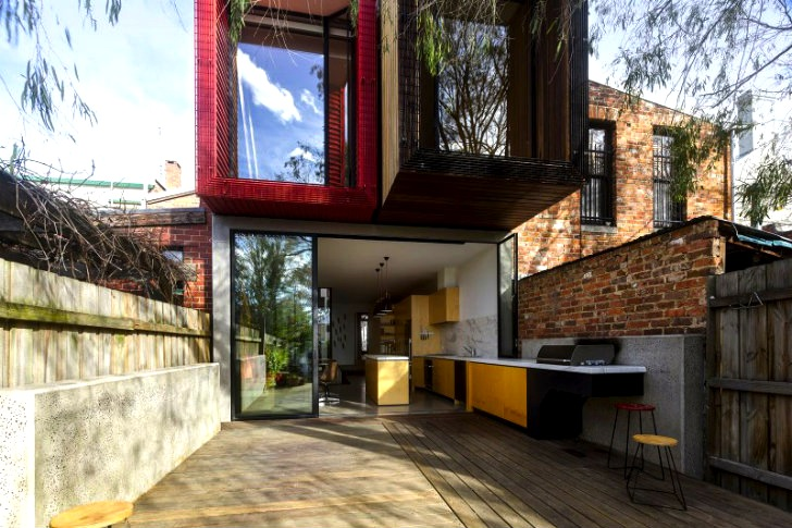 Andrew Maynard Extends 15 Foot Wide Solar-Powered Moor House in .