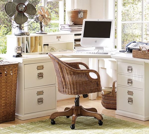 Corner desk – functional and space saving ideas for the home offi