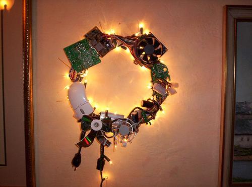 Funny Geek Christmas Wreaths - DigsDi
