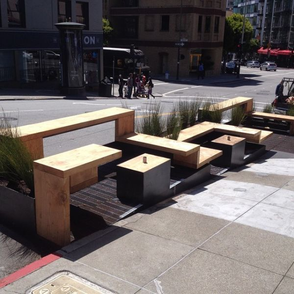 Parklet by Jeff Burwell at Réveille Coffee Co. | Urban spaces .