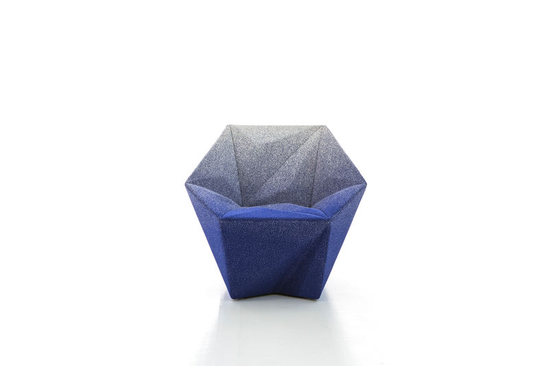 Geometric Diamond Chairs : geometry-inspired cha