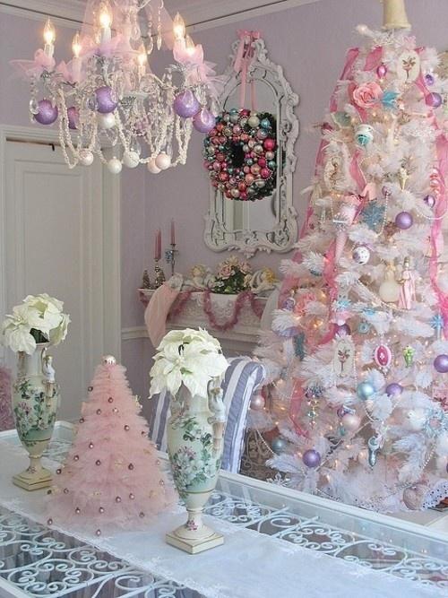 25 Glamorous Pastel Christmas Décor Ideas - DigsDi