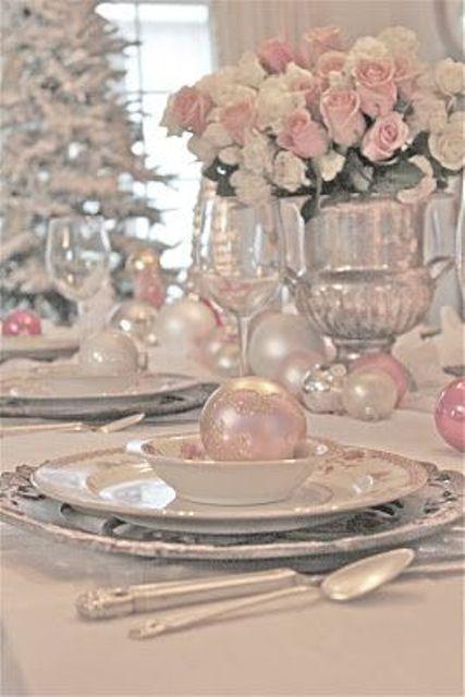 25 Glamorous Pastel Christmas Décor Ideas | Rose gold christmas .