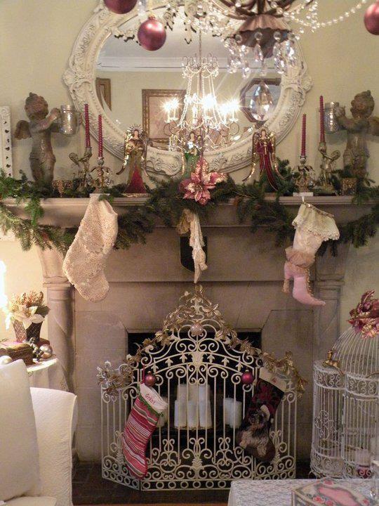 25 Glamorous Pastel Christmas Décor Ideas | Chic christmas decor .